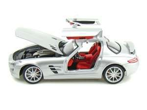 18 2011 MERCEDES BENZ SLS AMG GULLWING DIECAST SILVER MODEL CAR