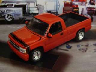 2000 Chevy Silverado Sport Truck 1/64 Scale Limited Edition 4 Detailed