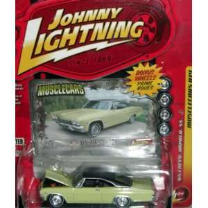 Johnny Lightning Musclecars R14 1965 Chevy Impala SS Toys & Games